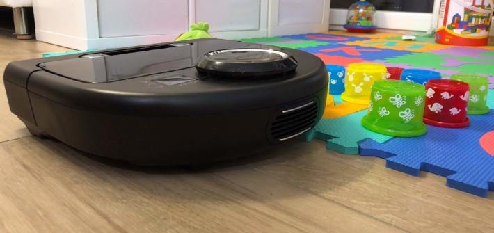 Der Neato Botvac Connected Saugroboter im Kampf gegen Kinderspielzeug