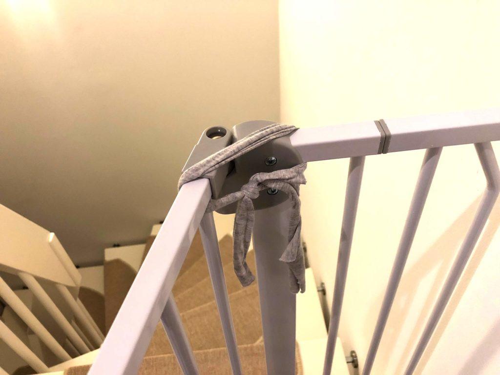 Unsere provisorische Öffnung, damit das Treppenschutzgitter nicht zufällt